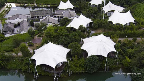 Luxury Safari Lodge Tent in a Tea Vellay